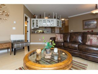 Photo 7: 204 1685 152A STREET in Surrey: King George Corridor Condo for sale (South Surrey White Rock)  : MLS®# R2228251