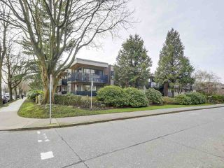 Photo 1: 105 2416 W 3RD Avenue in Vancouver: Kitsilano Condo for sale (Vancouver West)  : MLS®# R2239626