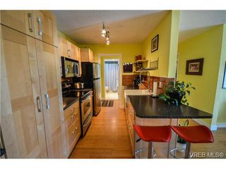 Photo 11: 203 1040 Southgate Street in VICTORIA: Vi Fairfield West Residential for sale (Victoria)  : MLS®# 350200