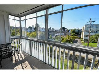Photo 2: 203 1040 Southgate Street in VICTORIA: Vi Fairfield West Residential for sale (Victoria)  : MLS®# 350200