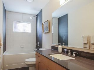 Photo 15: 2025 E 10TH AVENUE in Vancouver: Grandview VE House 1/2 Duplex for sale (Vancouver East)  : MLS®# R2247203