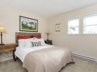 Photo 12: 2025 E 10TH AVENUE in Vancouver: Grandview VE House 1/2 Duplex for sale (Vancouver East)  : MLS®# R2247203