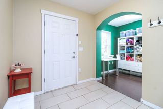 """Photo 3: 57 11067 BARNSTON VIEW Road in Pitt Meadows: South Meadows Townhouse for sale in """"COHO"""" : MLS®# R2252332"""
