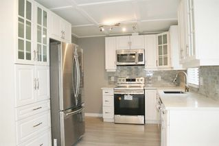 """Photo 17: 33358 4TH Avenue in Mission: Mission BC House for sale in """"Lane off Murray"""" : MLS®# R2252998"""