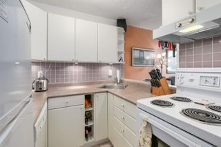 "Photo 4: 904 1146 HARWOOD Street in Vancouver: West End VW Condo for sale in ""Lamplighter"" (Vancouver West)  : MLS®# R2258222"