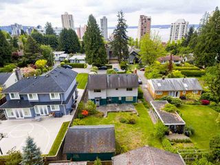 "Main Photo: 2245 GORDON Avenue in West Vancouver: Dundarave House for sale in ""Dundarave"" : MLS®# R2265840"