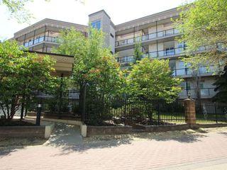 Main Photo: 215 9507 101 Avenue in Edmonton: Zone 13 Condo for sale : MLS®# E4114832