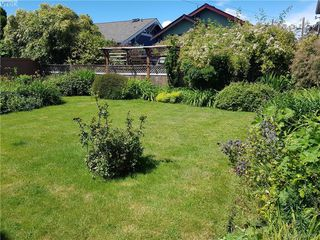 Photo 4: 238 Moss St in VICTORIA: Vi Fairfield West Single Family Detached for sale (Victoria)  : MLS®# 790080