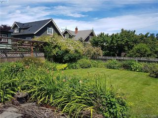 Photo 3: 238 Moss St in VICTORIA: Vi Fairfield West Single Family Detached for sale (Victoria)  : MLS®# 790080