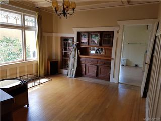 Photo 10: 238 Moss St in VICTORIA: Vi Fairfield West Single Family Detached for sale (Victoria)  : MLS®# 790080