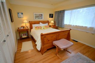 Photo 12: 3402 Henderson Rd in VICTORIA: OB Henderson House for sale (Oak Bay)  : MLS®# 696340
