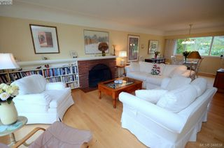 Photo 2: 3402 Henderson Rd in VICTORIA: OB Henderson House for sale (Oak Bay)  : MLS®# 696340