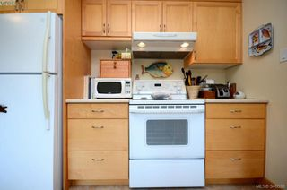 Photo 10: 3402 Henderson Rd in VICTORIA: OB Henderson House for sale (Oak Bay)  : MLS®# 696340