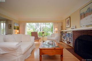 Photo 5: 3402 Henderson Rd in VICTORIA: OB Henderson House for sale (Oak Bay)  : MLS®# 696340