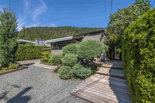 Photo 1: 43805 6TH Street in Cultus Lake: Lindell Beach House for sale : MLS®# R2288213