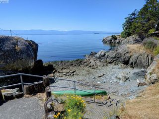 Photo 21: 208 1351 Esquimalt Road in VICTORIA: Es Saxe Point Condo Apartment for sale (Esquimalt)  : MLS®# 395696