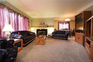 Photo 4: 1051 Tillicum Rd in VICTORIA: Es Kinsmen Park House for sale (Esquimalt)  : MLS®# 802017