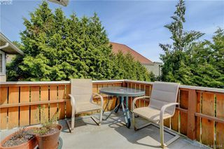 Photo 14: 1051 Tillicum Rd in VICTORIA: Es Kinsmen Park House for sale (Esquimalt)  : MLS®# 802017