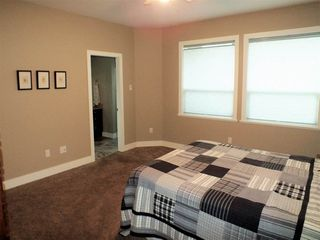 Photo 8: 325 DEWDNEY Avenue in Hope: Hope Center House for sale : MLS®# R2328328