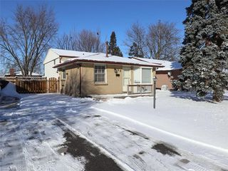 Photo 1: 52 WELLESLEY Crescent in London: East I Residential for sale (East)  : MLS®# 173631