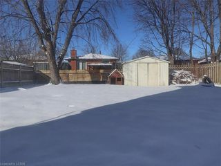 Photo 2: 52 WELLESLEY Crescent in London: East I Residential for sale (East)  : MLS®# 173631