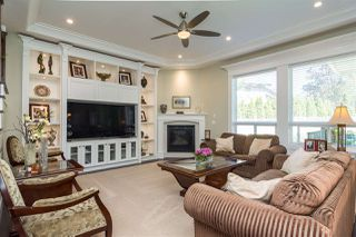 Photo 4: 8052 209A Street in Langley: Willoughby Heights House for sale : MLS®# R2353613