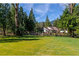 Photo 2: 11919 SYLVESTER Road in Mission: Durieu House for sale : MLS®# R2355600