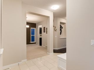 Photo 4: 230 SAGE VALLEY Green NW in Calgary: Sage Hill Detached for sale : MLS®# C4237988