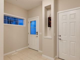 Photo 3: 230 SAGE VALLEY Green NW in Calgary: Sage Hill Detached for sale : MLS®# C4237988