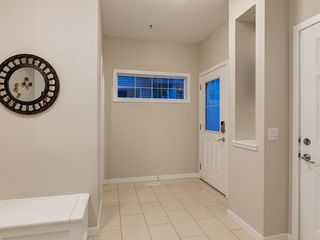 Photo 2: 230 SAGE VALLEY Green NW in Calgary: Sage Hill Detached for sale : MLS®# C4237988