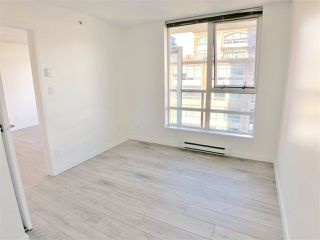 "Photo 10: 1107 928 BEATTY Street in Vancouver: Yaletown Condo for sale in ""THE MAX ONE"" (Vancouver West)  : MLS®# R2358356"