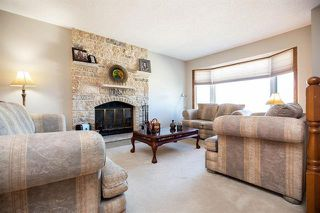 Photo 2: 71 William Whiteway Bay in Winnipeg: Riverbend Residential for sale (4E)  : MLS®# 1909335