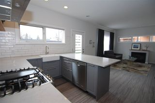 Photo 8: 1 14315 STONY_PLAIN Road in Edmonton: Zone 21 Townhouse for sale : MLS®# E4154417
