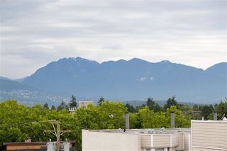 Main Photo: 302 3788 W 10TH Avenue in Vancouver: Point Grey Condo for sale (Vancouver West)  : MLS®# R2365247