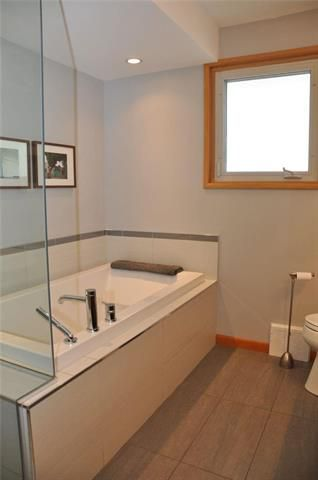 Photo 12: 807 Elm Street in Winnipeg: River Heights South Residential for sale (1D)  : MLS®# 1911536