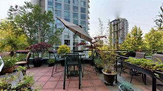 "Photo 1: 206 131 W 3RD Street in North Vancouver: Lower Lonsdale Condo for sale in ""Seascape Landing"" : MLS®# R2375480"