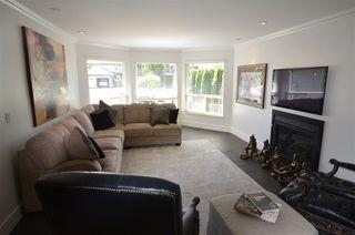 "Photo 5: 10725 GLENWOOD Drive in Surrey: Fraser Heights House for sale in ""FRASER GLEN"" (North Surrey)  : MLS®# R2377811"