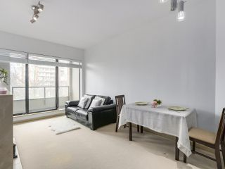 """Photo 4: 408 7368 SANDBORNE Avenue in Burnaby: South Slope Condo for sale in """"MAYFAIR 1"""" (Burnaby South)  : MLS®# R2380990"""