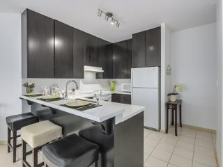 "Photo 9: 408 7368 SANDBORNE Avenue in Burnaby: South Slope Condo for sale in ""MAYFAIR 1"" (Burnaby South)  : MLS®# R2380990"