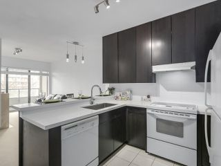 """Photo 10: 408 7368 SANDBORNE Avenue in Burnaby: South Slope Condo for sale in """"MAYFAIR 1"""" (Burnaby South)  : MLS®# R2380990"""