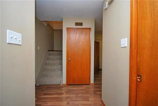 Photo 2: 8 Lake Fall Place in Winnipeg: Waverley Heights Residential for sale (1L)  : MLS®# 1916829