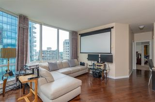 """Photo 4: 2705 1166 MELVILLE Street in Vancouver: Coal Harbour Condo for sale in """"ORCA PLACE"""" (Vancouver West)  : MLS®# R2383766"""