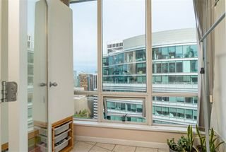 """Photo 12: 2705 1166 MELVILLE Street in Vancouver: Coal Harbour Condo for sale in """"ORCA PLACE"""" (Vancouver West)  : MLS®# R2383766"""
