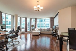 """Photo 3: 2705 1166 MELVILLE Street in Vancouver: Coal Harbour Condo for sale in """"ORCA PLACE"""" (Vancouver West)  : MLS®# R2383766"""