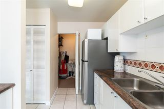 """Photo 7: 2705 1166 MELVILLE Street in Vancouver: Coal Harbour Condo for sale in """"ORCA PLACE"""" (Vancouver West)  : MLS®# R2383766"""