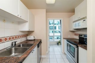 """Photo 6: 2705 1166 MELVILLE Street in Vancouver: Coal Harbour Condo for sale in """"ORCA PLACE"""" (Vancouver West)  : MLS®# R2383766"""