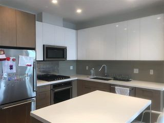 "Photo 3: 709 5311 CEDARBRIDGE Way in Richmond: Brighouse Condo for sale in ""RIVA2"" : MLS®# R2390026"