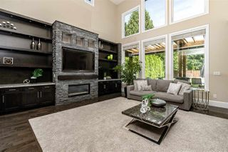 Photo 3: 3550 PIPER Avenue in Burnaby: Government Road House for sale (Burnaby North)  : MLS®# R2394969