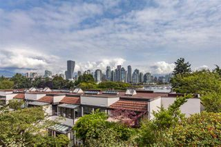 """Photo 2: 3 1201 LAMEY'S MILL Road in Vancouver: False Creek Townhouse for sale in """"Alder Bay Place"""" (Vancouver West)  : MLS®# R2401144"""