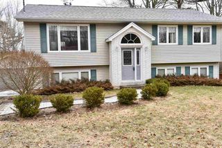 Photo 1: 16 Lakeview Road in Lakeview: 30-Waverley, Fall River, Oakfield Residential for sale (Halifax-Dartmouth)  : MLS®# 202003510
